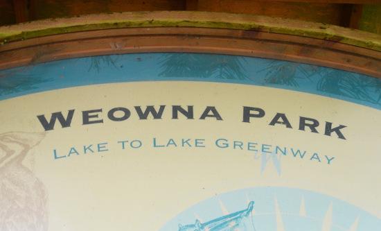 weowna park loop sign